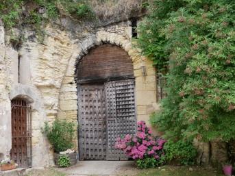 Porte en bois de la cave troglodyte